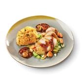 Culivers Culivers (3) Gebakken kippendij gestoofd in rode wijnsaus met diverse groenten een puree van aardappel en zoete aardappel met gember, selderij en koriander  voorkant