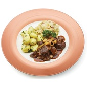 Culivers (3) runderstoofvlees op Vlaamse wijze met witlof met spek en krieltjes met tuinkruiden voorkant
