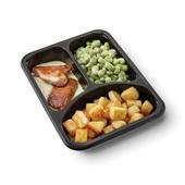 Culivers (85) kalkoenbiefstukjes in dragonsaus met gebakken aardappeltjes en tuinbonen met ui en tijm zoutarm achterkant