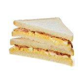 The Bread Office sandwich bacon en scharrelei voorkant