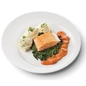 Culivers (96) gebakken zalmfilet met Normandische saus, bladspinazie en aardappelpuree met bieslook voorkant