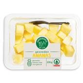 Spar gesneden ananas voorkant